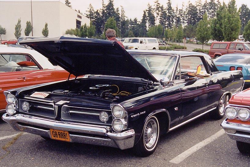 1963 Pontiac.com - Car 13 - Stuart & Jo Norman's 63 Grand Prix.